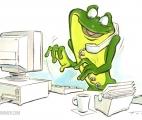 009_Frog-@-desk